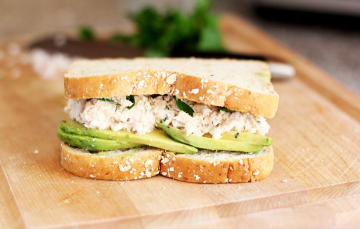 Güne daha dinç ve enerjik başlamak için benzersiz bir sandviç tarifi! Lezzetine aşık olacaksınız