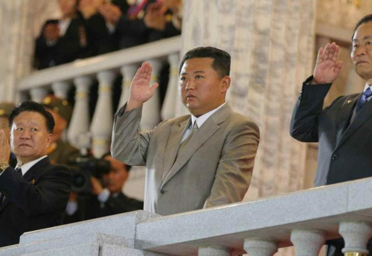 Kim Jong Un ortaya çıktı! Kuzey Kore'den gelen fotoğraflar şaşkına çevirdi: Batı'ya mesaj