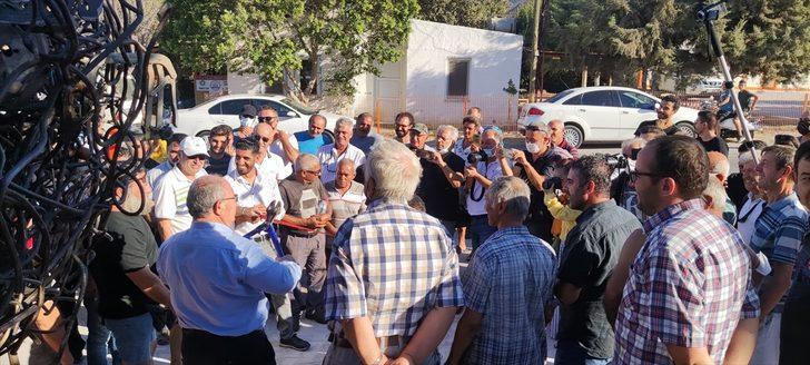 Datça'da Sanayi Ağacı Heykeli'nin açılışı demir kesme aletiyle yapılmaya çalışıldı