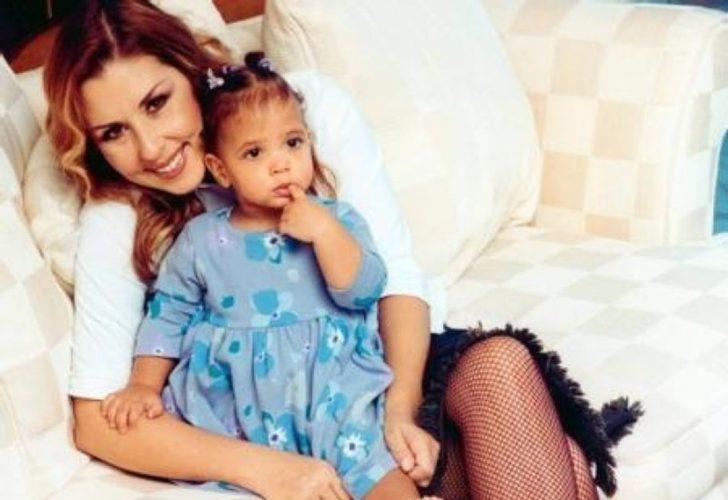 Şarkıcı Nilüfer'in bebekken evlatlık aldığı kızı Ayşe Nazlı koca kız oldu
