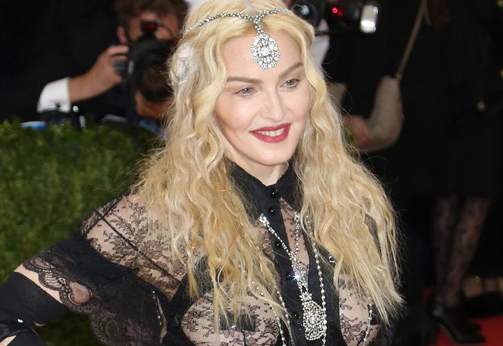 """Madonna tuvaletten paylaştı! """"Kalça nakli mi yaptırdın?"""""""