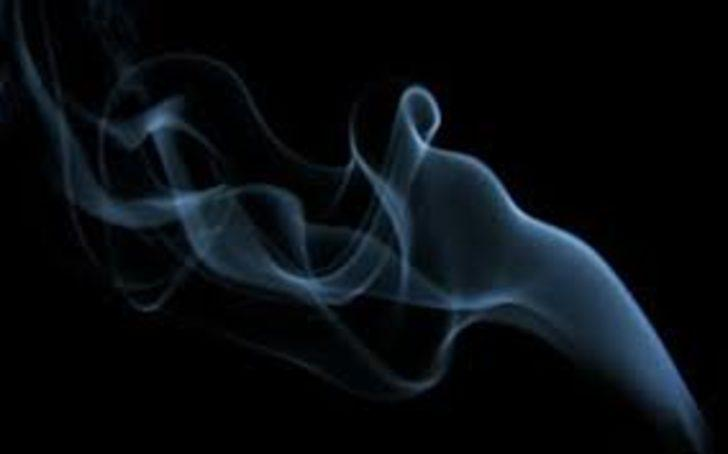 Sigara, bebeğin oksijenini çalıyor