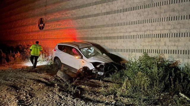 Kaza yapan sürücüden şoke eden hareket!