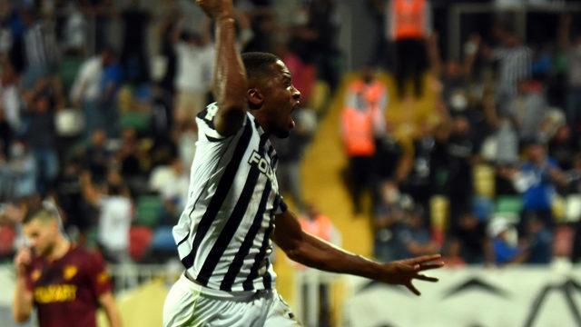 İzmir derbisi 90+3'te gelen golle Altay'ın!
