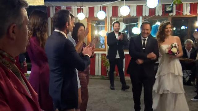 Arka Sokaklar'da Hüsnü Çoban'dan evlilik sürprizi!