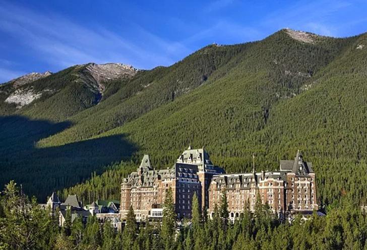 Burada tatil yapmak cesaret ister! Paranormal olaylarla ünlenen Banff Springs Oteli'nin hikayesi tüyleri diken diken edecek