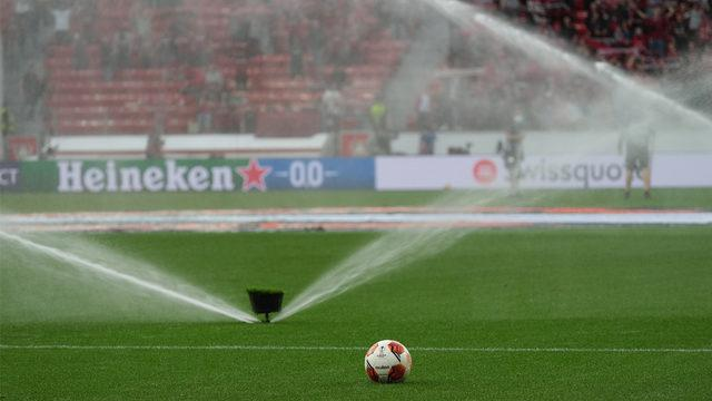 FIFA'dan 2 maç seyircisiz oynama cezası