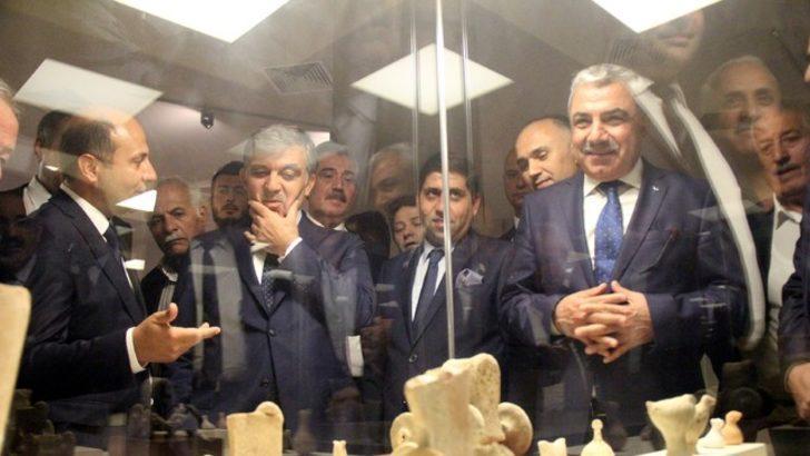 Abdullah Gül konvoyla karşılandı