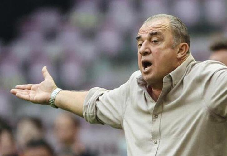 Galatasaraylı taraftarlar Fatih Terim'i istifaya çağırıyor!