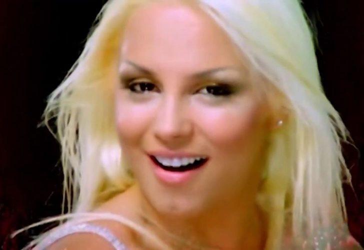 'Yıkılıyo' şarkısıyla ünlenen Ayça'nın son halini görenler gözlerine inanamadı!