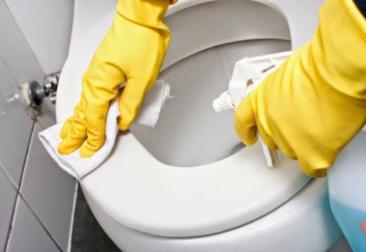 Misafirleriniz banyoyu kullanırken içiniz rahat etsin! Sararan klozet, lavabo ve küvetler için...