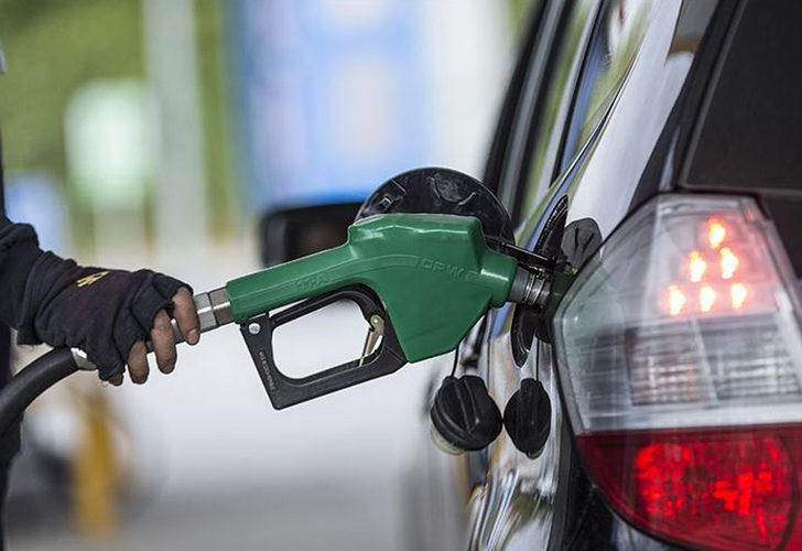 İngiltere'de büyük petrol krizi! Benzin istasyonlarında uzun kuyruklar oluştu, ordu devreye giriyor