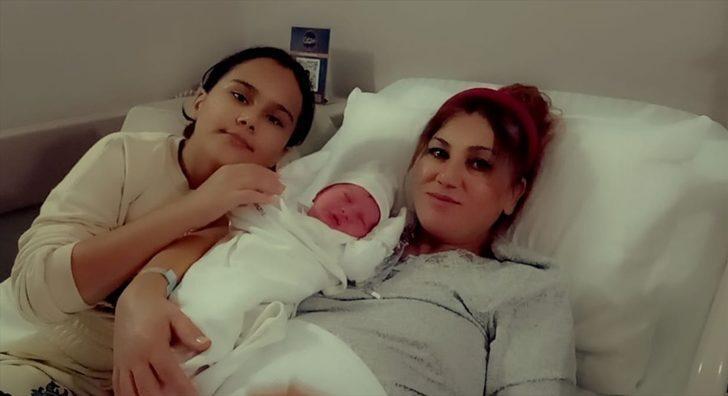 İzmir'de hamile kadını, polis hastaneye yetiştirdi