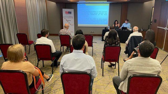 AB fonlarıyla Türk ve Suriyeli girişimcilere verilecek destekler Adana'da tanıtıldı