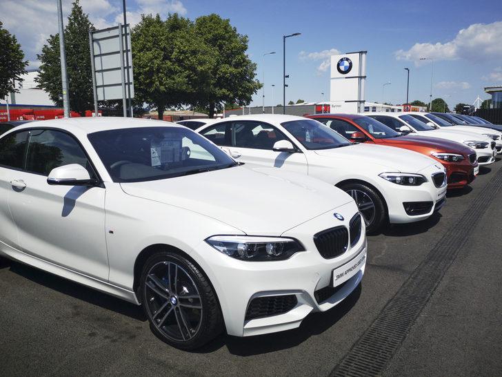 Çip krizi bir otomotiv devini daha vurdu! BMW'nin araç teslimatlarını yüzde 12,2 geriledi
