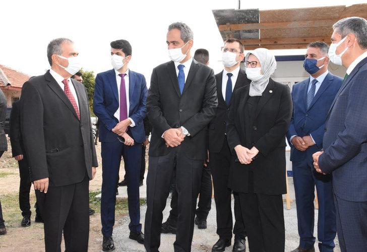 Bakan Özer'den yüz yüze eğitim açıklaması: Eğitime ara veren okulumuz yok