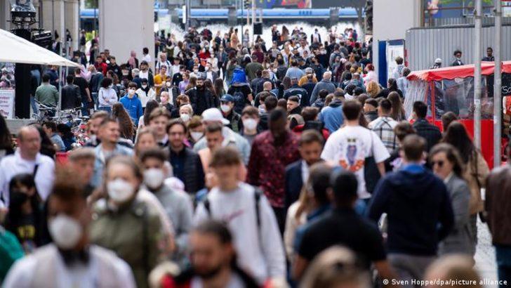Toplumsal bağışıklık hedefi ne kadar gerçekçi?