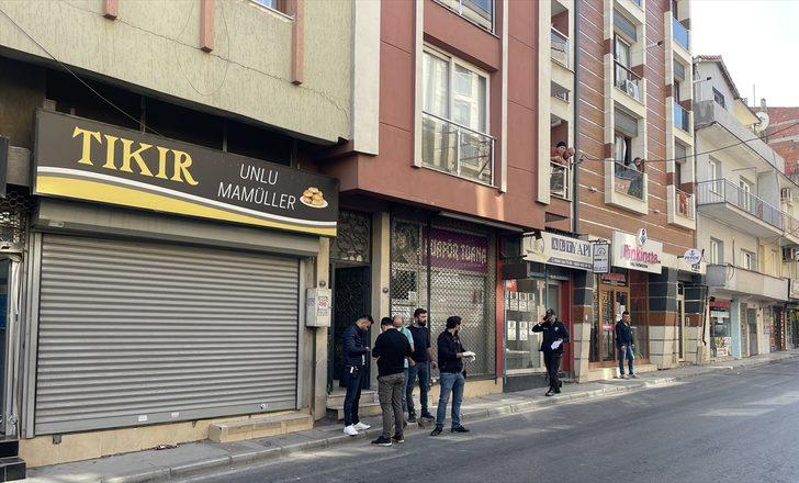 GÜNCELLEME - İzmir'de evde bıçaklanmış bulunan iki genç hayatını kaybetti