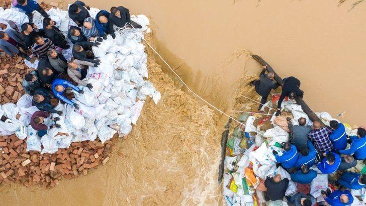 Çin'de sel felaketi: Yaklaşık 2 milyon kişi yerlerinden oldu