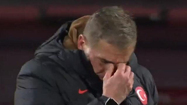 Maç sonu gözyaşlarını tutamadı