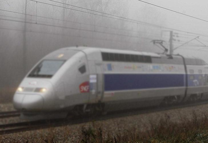 Fransa'da korkunç olay! Raylarda dinlenen göçmenlere tren çarptı: 3 ölü, 1 yaralı