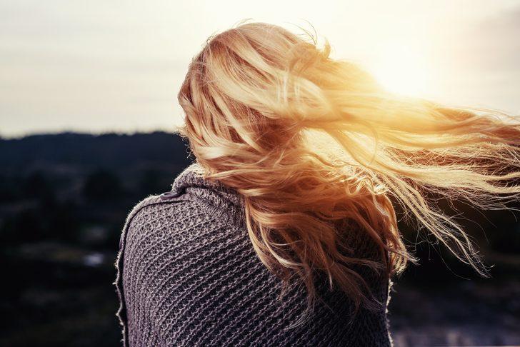 Mevsim değişiminden etkilenen saçlara hayat veren en başarılı bakım ürünleri