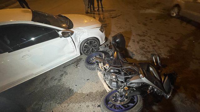 Adana'da otomobille çarpışan motosikletteki 2 polis yaralandı