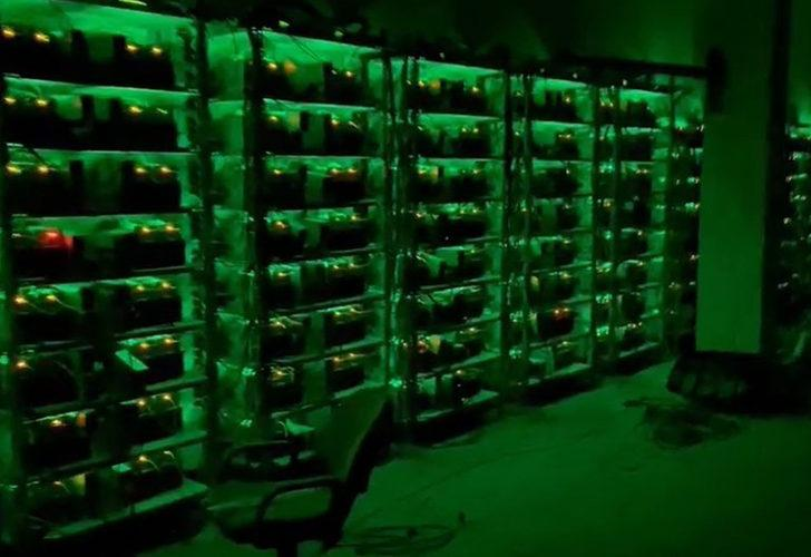 Kaçak elektrikle 10 milyonluk Bitcoin fabrikası! Duvarı delip girmişler