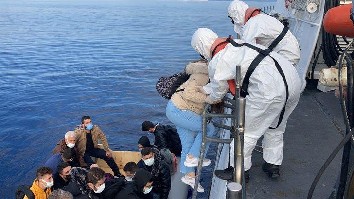 Muğla açıklarında Türk kara sularına geri itilen 36 düzensiz göçmen kurtarıldı