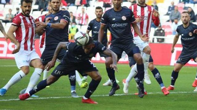 Antalyaspor'da isyan: Her maçtan sonra ADALET diye mi bağıralım?