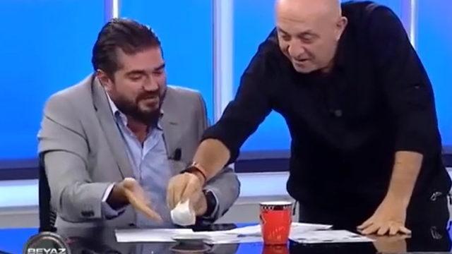 'Ne içiyorsun Rasim?' dedi, bardağı boşalttı!