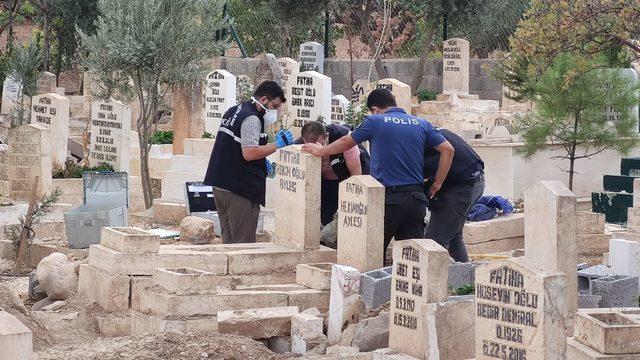 Kan donduran olay! Mezarlıkta çantayla gömülmüş bebek cesedi bulundu