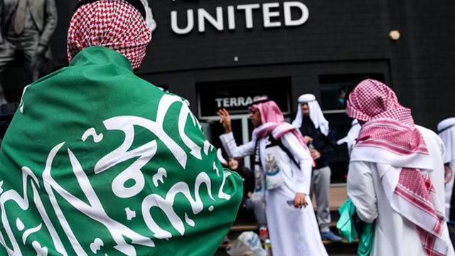 Newcastle: Arap kıyafetleriyle maça gelmeyin