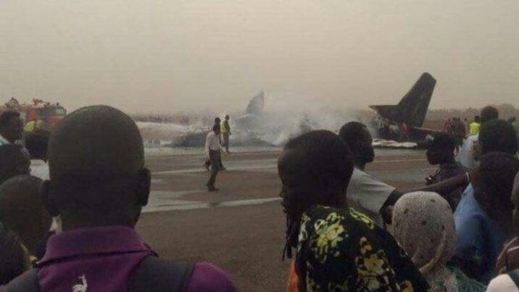 Güney Sudan'da 44 kişiyi taşıyan uçak düştü!