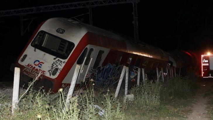 Yolcu treni raydan çıktı: 4 ölü, 5 yaralı