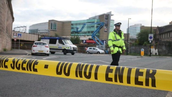 Manchester'daki Salford Üniversitesinde şüpheli paket alarmı