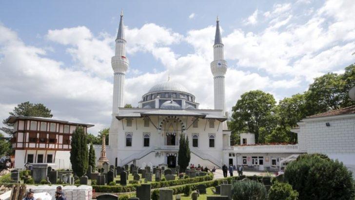 Almanya'da Dört Günde Üç Camiye Saldırı