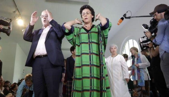 Almanya'da ilk liberal cami: İlk kez cuma namazı kılındı