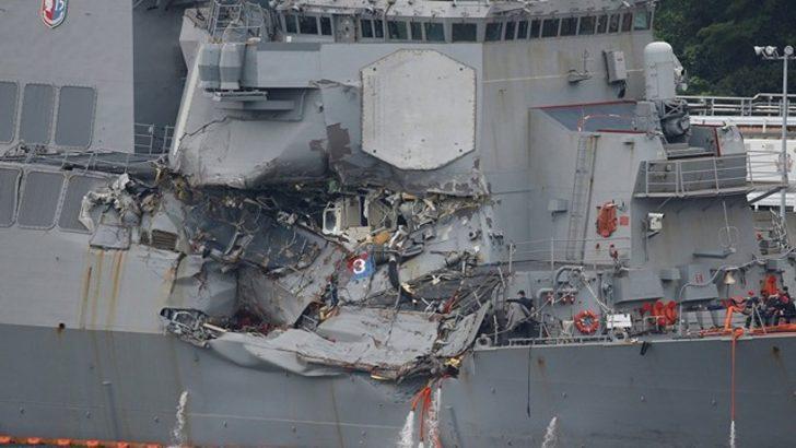 Yük Gemisiyle Çarpışan ABD Destroyerinden Kötü Haber