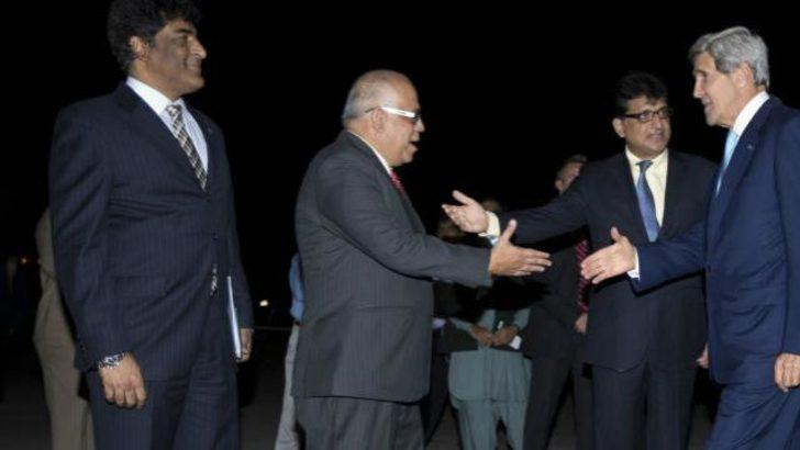 Kerry bakan olarak ilk kez Pakistan'da