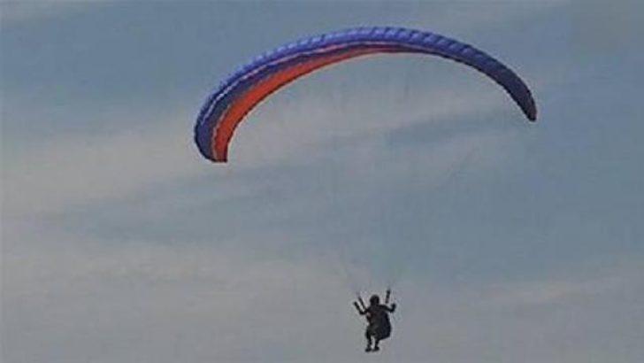 Kaymakam paraşüt kazası geçirdi