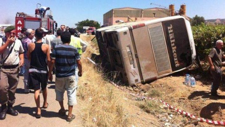 Manisa'da yolcu otobüsü devrildi
