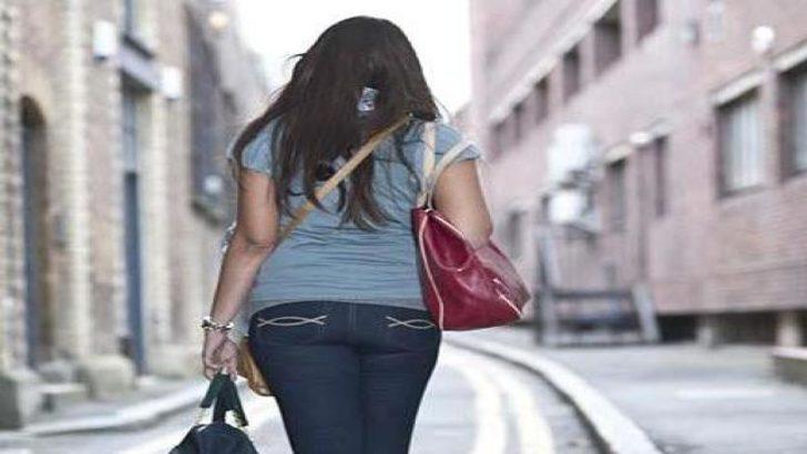 Sokakta saldırıya uğrayan kızın dehşet anları