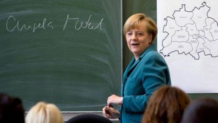 Merkel tarih öğretmeni oldu