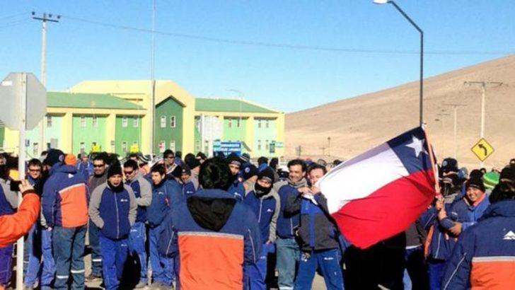 Şili bakır madeni çalışanları grevde