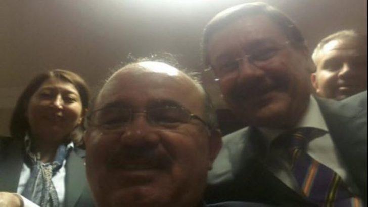 Melih Gökçek Twitter açıldı selfie çektirdi