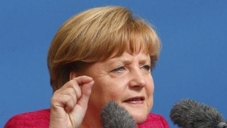 Merkel seçim kampanyasını başlattı