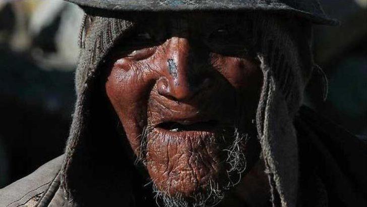 Dünyanın en yaşlı insanı baston kullanmıyor