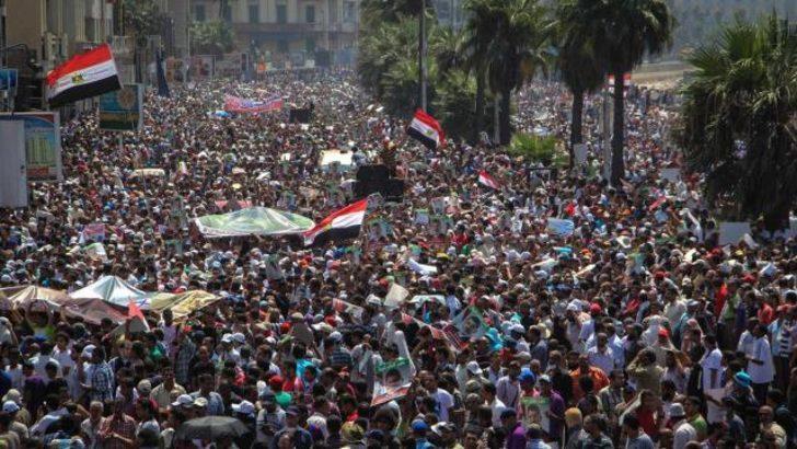 Mısır'da 'Öfke Cuması': 100'den fazla ölü
