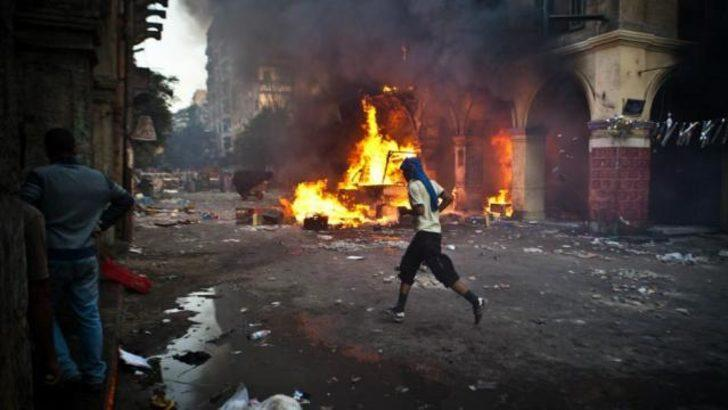 Mısır: El Fetih Camii'nde gergin bekleyiş